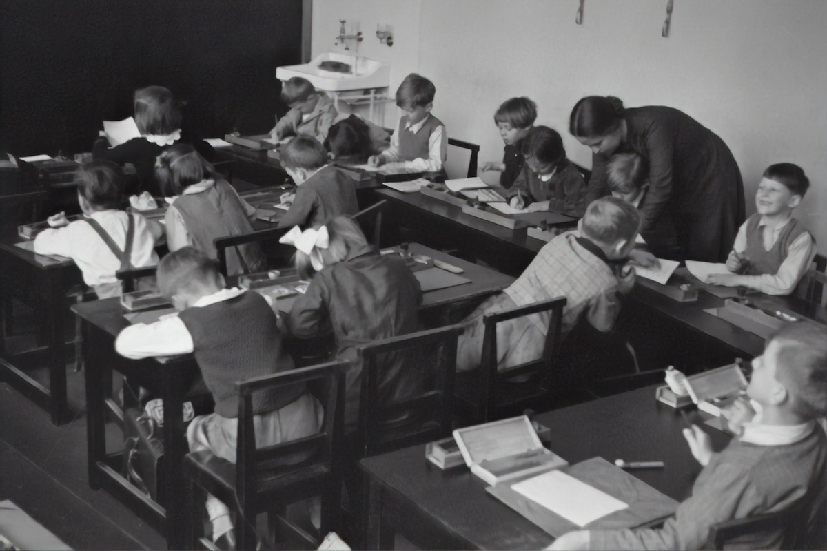 Old school picture of classroom