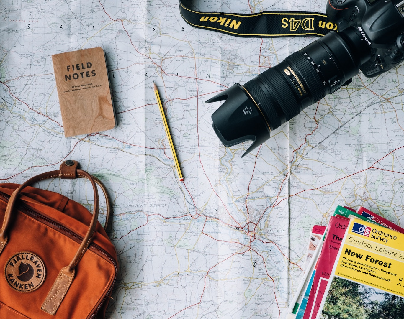 Travel Writer Equipment - Annie Spratt